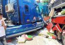 Tin trong nước - Xe khách và container đấu đầu kinh hoàng, cựu giáo viên tử vong thương tâm