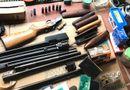 """Pháp luật - Cận cảnh """"kho"""" súng ống đạn dược của đối tượng bắn người để tiêu khiển"""