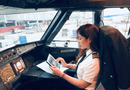 Giải trí - Nữ cơ phó hãng bay được báo Trung khen ngợi đẹp nhất Việt Nam