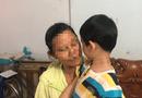 Tin trong nước - Vụ bé trai bị bố bỏ rơi tại tòa án Bắc Giang: Thắt lòng lời phân trần của người lớn