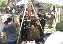 Tin trong nước - Hiện trường cảnh sát vớt thi thể 2 bố con dưới giếng sâu 6 mét ở Thanh Hóa