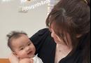 Cộng đồng mạng - Quang Hải khoe ảnh đưa Huỳnh Anh về nhà, khen người yêu khéo dỗ trẻ con