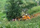 Tin trong nước - Lào Cai: Xe cẩu lao xuống vực, tài xế kẹt trong cabin nhiều giờ