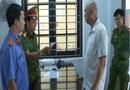 Pháp luật - Tạm giam chủ quán cà phê Bố Già hành hung nhân viên Công ty Cây xanh chỉ vì chiếc băng rôn quảng cáo