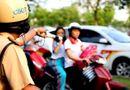 An ninh - Hình sự - Trường hợp nào đội mũ bảo hiểm khi tham gia giao thông vẫn bị xử phạt?