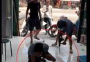 Pháp luật - Hưng Yên: Đang làm rõ vụ côn đồ đập phá quầy thuốc, khoan vào chân nhân viên giữa ban ngày