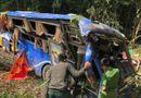 Tin trong nước - Tin tai nạn giao thông mới nhất ngày 12/7: Đội cứu hộ phải lật xe tìm nạn nhân vụ tai nạn ở Kon Tum