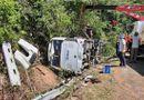 Tin trong nước - Thông tin mới nhất vụ thảm kịch lật xe khách khiến 15 người chết tại Quảng Bình