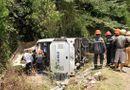 Tin trong nước - Vụ lật xe 15 người chết ở Quảng Bình: Tài xế không đủ điều kiện điều khiển xe khách 47 chỗ ngồi