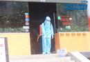 Tin trong nước - Đội phản ứng nhanh phun khử trùng quán pizza ở Hà Nội nơi có nhân viên nghi nhiễm Covid-19