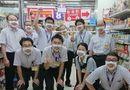 Tin thế giới - Nhân viên cửa hàng giảm giá ở Nhật Bản gây ấn tượng mạnh nhờ đeo khẩu trang mặt cười