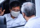 Tin trong nước - Ông Đoàn Ngọc Hải diện sơ mi trắng, đi dép tổ ong, đích thân lái xe chở bệnh nhân nghèo từ Hà Nội về Hà Giang
