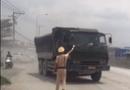 """An ninh - Hình sự - Truy tìm tài xế xe ben biển đỏ """"đại náo"""" khi bị CSGT kiểm tra tại Đồng Nai"""