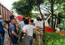 Tin trong nước - Tin tai nạn giao thông mới nhất ngày 30/9/2020: Tàu hỏa tông ô tô chở gần 40 học sinh ở Hà Nội