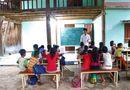 Gia đình - Tình yêu - Lớp học miễn phí của  đôi vợ chồng nghèo trăn trở ước mơ bảng đen phấn trắng