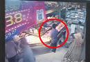 Tin thế giới - Thanh niên lái BMW sang chảnh nhưng vẫn trộm đồ trong siêu thị, biết lý do ai cũng sốc