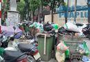 Tin trong nước - Hà Nội ùn ứ rác thải: Chất cao hơn nóc xe taxi, mùi hôi tanh khiến người sống gần khổ sở