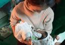 Tin trong nước - Chồng sản phụ tiết lộ sự thật về thông tin bé trai sơ sinh bị bỏ rơi trong nhà vệ sinh