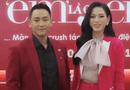 Tin tức giải trí - Hoa hậu Đỗ Thị Hà xử lý thông minh trước tình huống khó xử với Hứa Vĩ Văn trên thảm đỏ