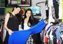 Chuyện làng sao - Trang Nhung mặc đồ rộng che bụng bầu 2 tháng