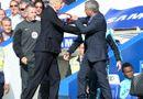 """Bóng đá - HLV Wenger và Mourinho đấu khẩu """"nảy lửa"""" sau trận đấu"""