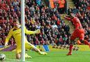 Bóng đá - Liverpool 2-1 Southampton: Liverpool nhọc nhằn giành 3 điểm