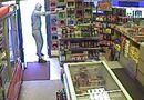 Tin thế giới - Cướp tấn công vũ trang cửa hàng để đòi... 24 lon bia