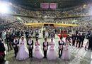 Gia đình - Tình yêu - Cận cảnh đám cưới hoành tráng của 2.500 cô dâu chú rể