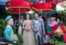 Chuyện làng sao - Nhật Kim Anh đội vương miện trong đám cưới tại quê nhà