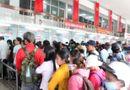 Tin trong nước - Nghỉ lễ 5 ngày: Người dân đội mưa rời Sài Gòn