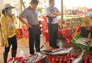 """Thị trường - Thương lái Trung Quốc """"lách luật"""" mua cua Việt: Cần thận trọng!"""
