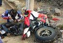 Tin trong nước - Môtô vượt đoàn đua xe đạp nữ quốc tế Bình Dương gây tại nạn