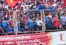 Tin tức giải trí - Tuấn Hưng cuồng nhiệt cùng sinh viên Hà Nội