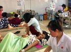 Sức khoẻ - Làm đẹp - Hơn 50 người nhập viện cấp cứu trong lúc đi du lịch ở biển Hải Tiến