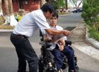 Giáo dục pháp luật - Thi THPT quốc gia 2019: Thí sinh khuyết tật làm bài trên xe lăn đạt điểm tuyệt đối môn tiếng Anh