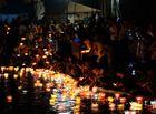Tin trong nước - Lãnh đạo huyện Cát Bà nói gì về việc thả hơn 30.000 hoa đăng xuống vịnh Lan Hạ