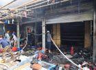 Tin trong nước - Hà Nội: Cháy lớn tại chợ Tó, huy động hàng chục xe cứu hỏa tới dập lửa