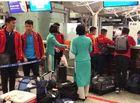 Thể thao - Nửa đêm, các tuyển thủ U23 Việt Nam lỉnh kỉnh xách hành lý sang Hàn Quốc tập huấn