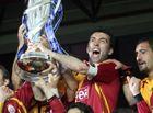 Tin thế giới - Huyền thoại bóng đá Thổ Nhĩ Kỳ phải lái taxi ở Mỹ sau khi bị truy nã ở quê nhà