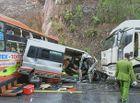 Tin trong nước - Thừa Thiên - Huế: Tai nạn kinh hoàng giữa 2 xe khách và xe đầu kéo, 6 người thương vong