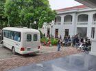 Tin trong nước - Vụ xe container đè ô tô con 3 người chết ở Hà Nội: Người thân bàng hoàng vì tai nạn thảm khốc