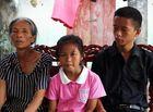 Đời sống - Nghẹn ngào cảnh bé gái 8 tuổi mồ côi mẹ, sống lay lắt cùng người bà mắc bệnh đãng trí