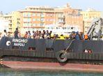 Đắm tàu ở Địa Trung Hải, ít nhất 34 người chết - Ảnh thứ 10