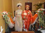 """Những cặp đôi """"vợ Bạch Tuyết - chồng chú lùn"""" trong showbiz Việt - Ảnh thứ 6"""