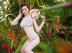 Trà Giang diện bikini, thả dáng giữa rừng cây xanh mướt - Ảnh thứ 1