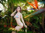 Trà Giang diện bikini, thả dáng giữa rừng cây xanh mướt - Ảnh thứ 2