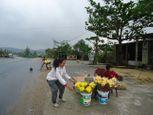 Bão Haiyan, khu mộ Đại tướng vẫn tấp nập người đến viếng - Ảnh số 2