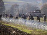 Binh lính Slovenia dựng hàng rào biên giới ngăn người nhập cư