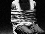 Giải cứu thiếu nữ 18 ngày bị bạn trai bắt làm nô lệ tình dục