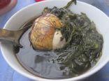 Trứng vịt lộn hầm ngải cứu - món ăn bổ dưỡng cho cả gia đình